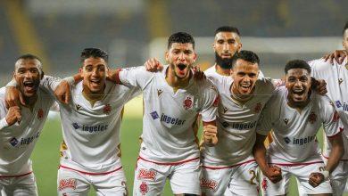 """Photo of الديربي البيضاوي"""" الوداد تنفرد بصدارة البطولة"""